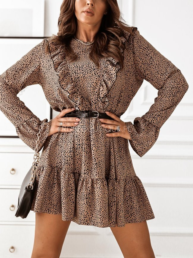Beige dress with long sleeves in a leopard print