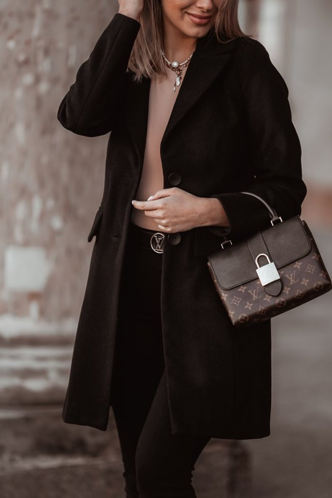 Black elegant coat