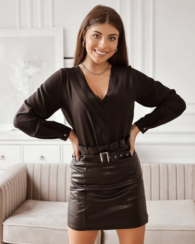 Black leather skirt with a zipper