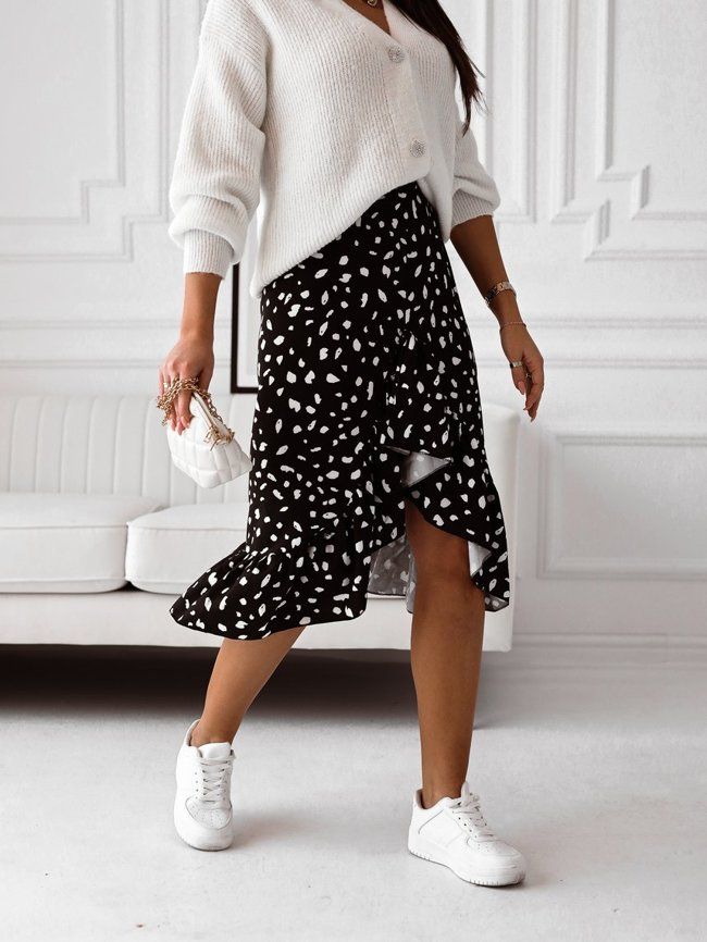 Black skirt with a white pattern