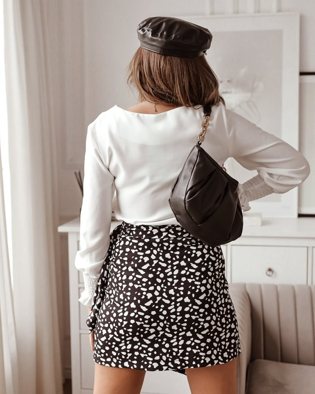 Black tied skirt with a white pattern