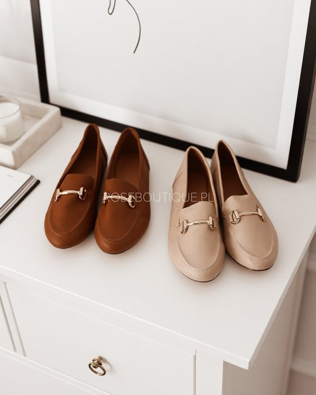 Caramel loafers with gold decoration
