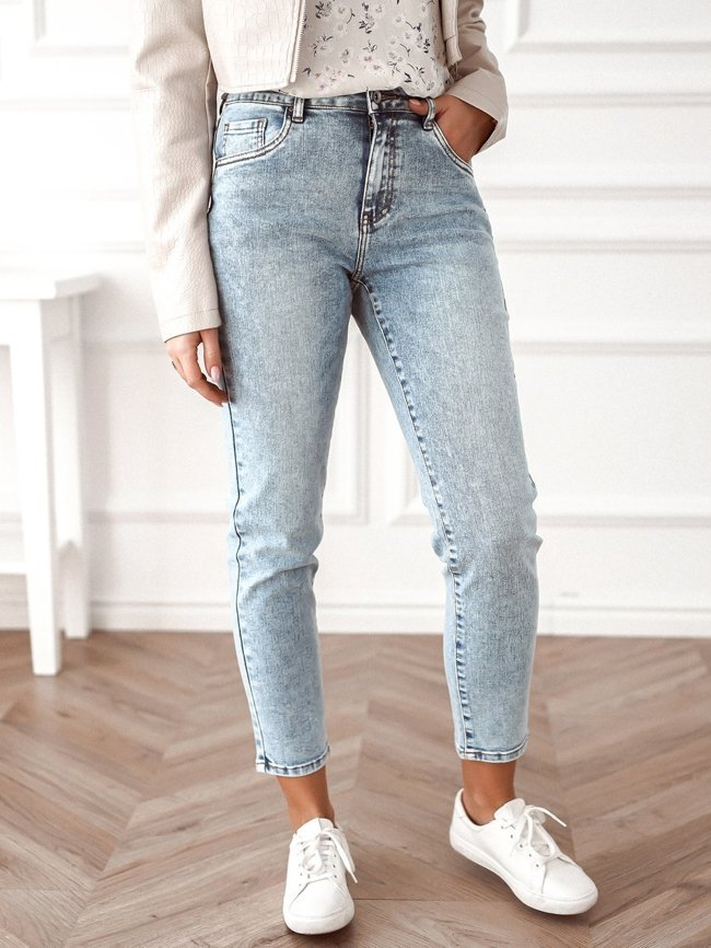 Classic straight jeans