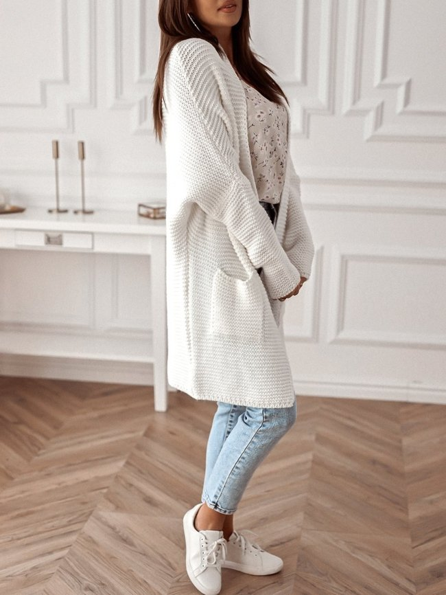 Creamy long cardigan with pockets