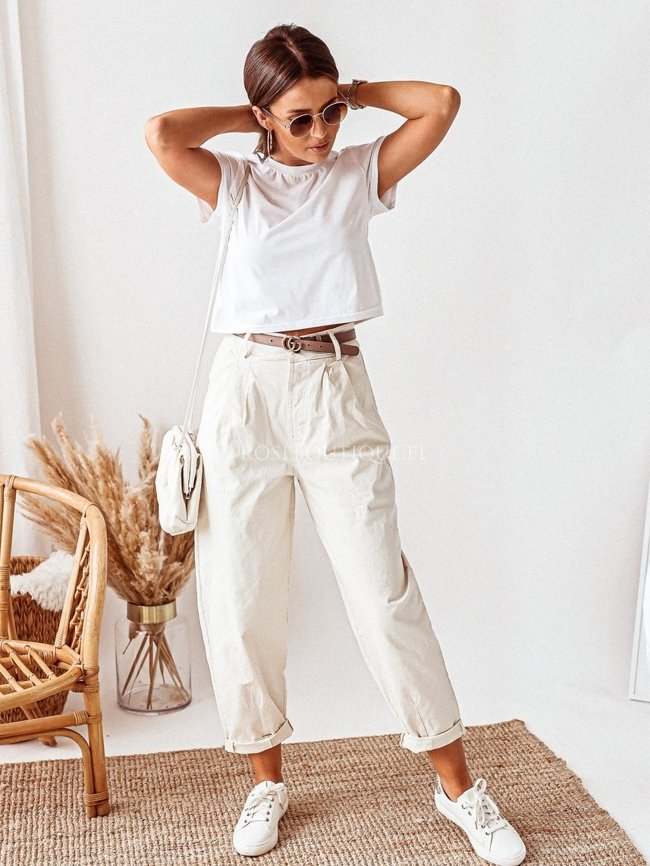 Creamy relaxed fit jeans
