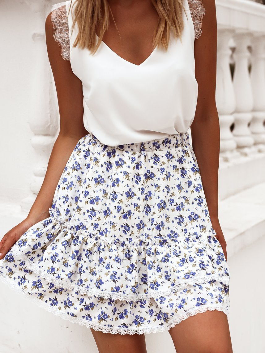 Creamy skirt with blue flowers
