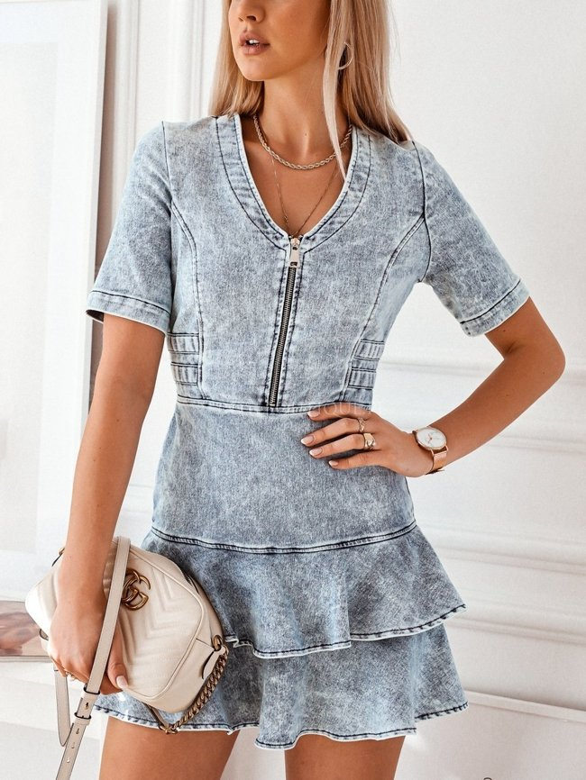 Denim dress with a zipper and short sleeves