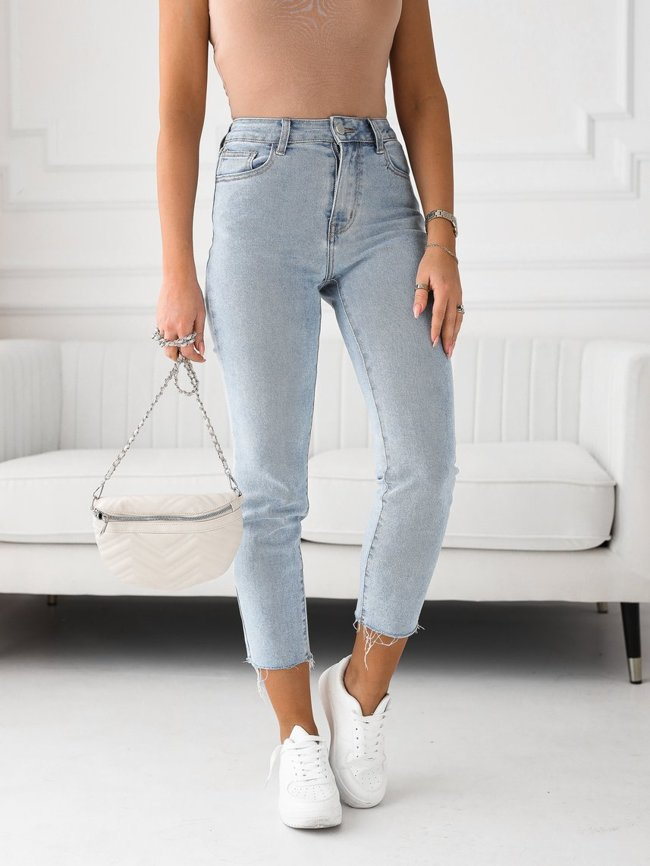 Frayed leg mom jeans