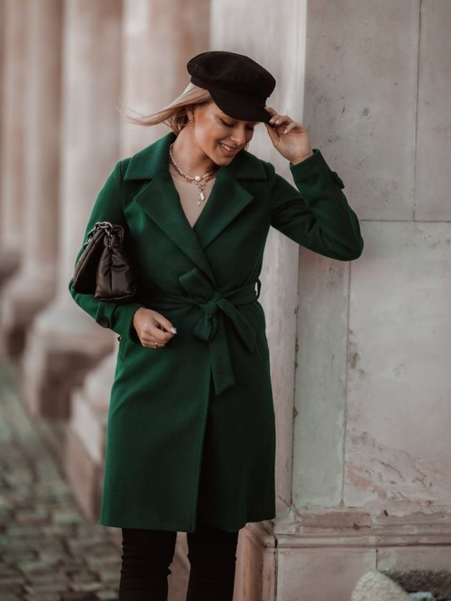 Green tied coat with wool