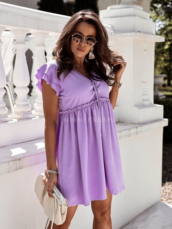 Lilac dress with a binding on the bust