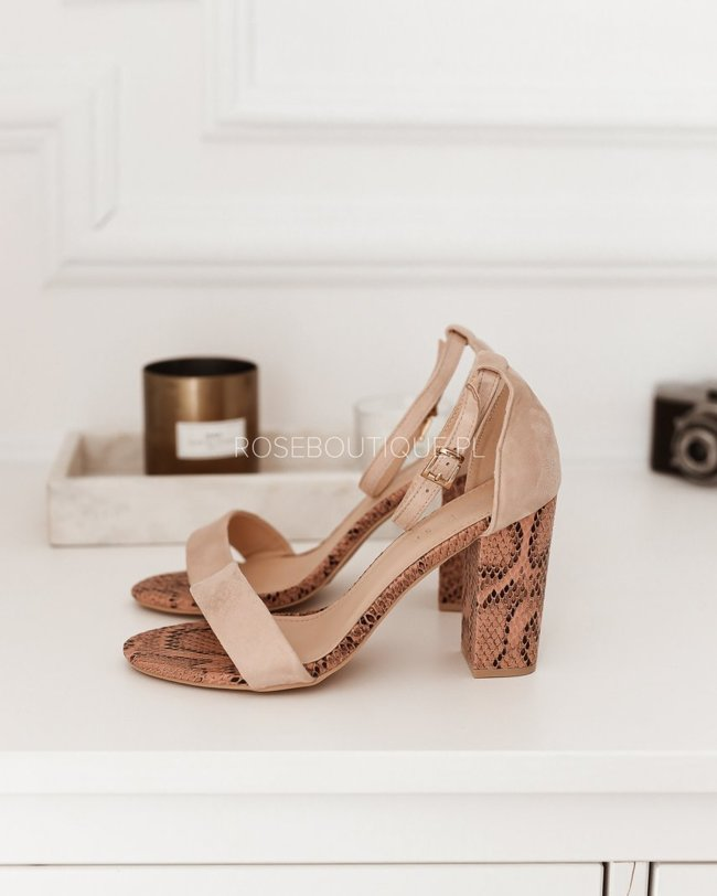 Sandals on the post B1018 - Pink