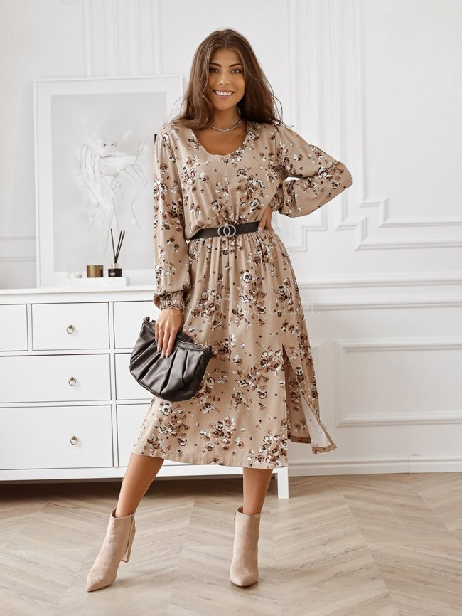 V-neck dress with an autumn pattern