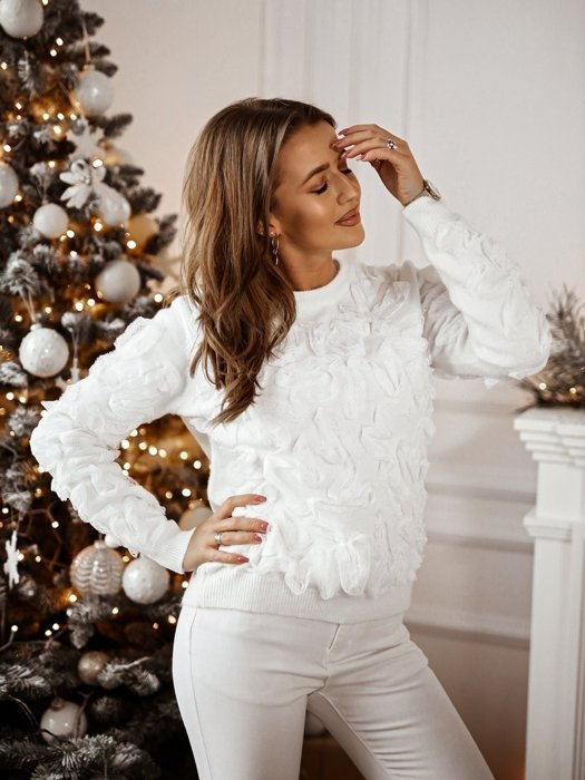 White jumper with frill lace