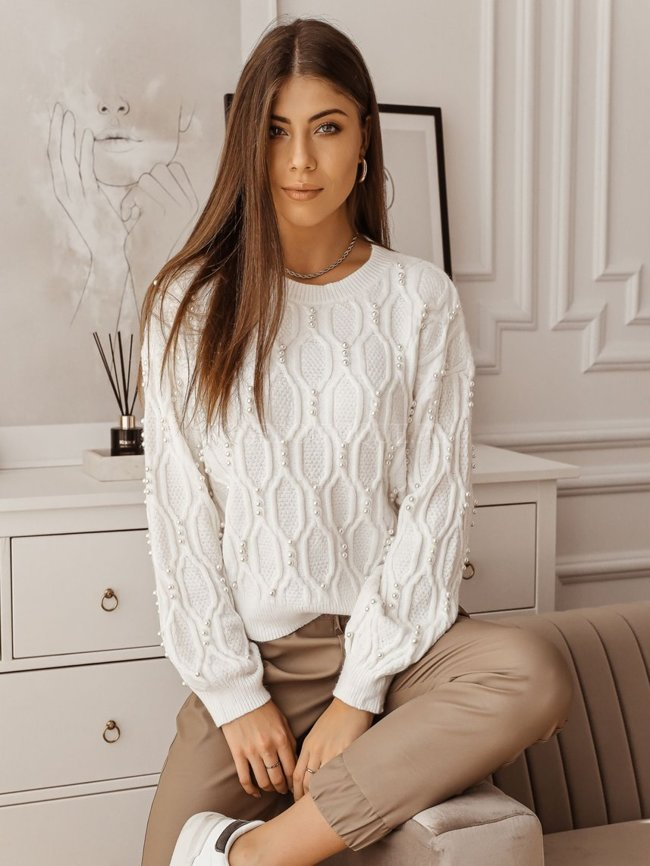 White sweater with embossing and pearls